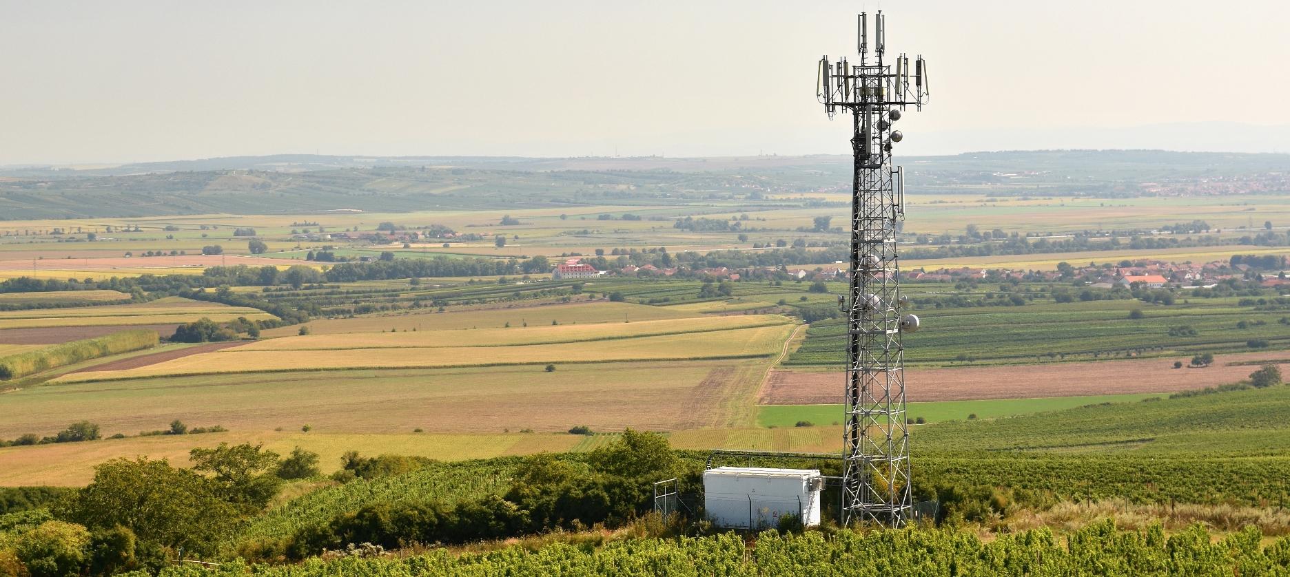 telephone mast image